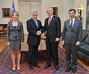 President Piñera Receives ESO's First Atomic Clock
