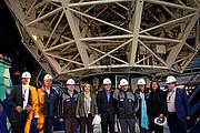 Os presidentes do Chile, Colômbia e México, com representantes do ESO no interior da cúpula do VLT