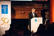 Brian Schmidt na gala do 50º aniversário do ESO