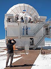 El instrumento SEPIA durante su instalación en APEX