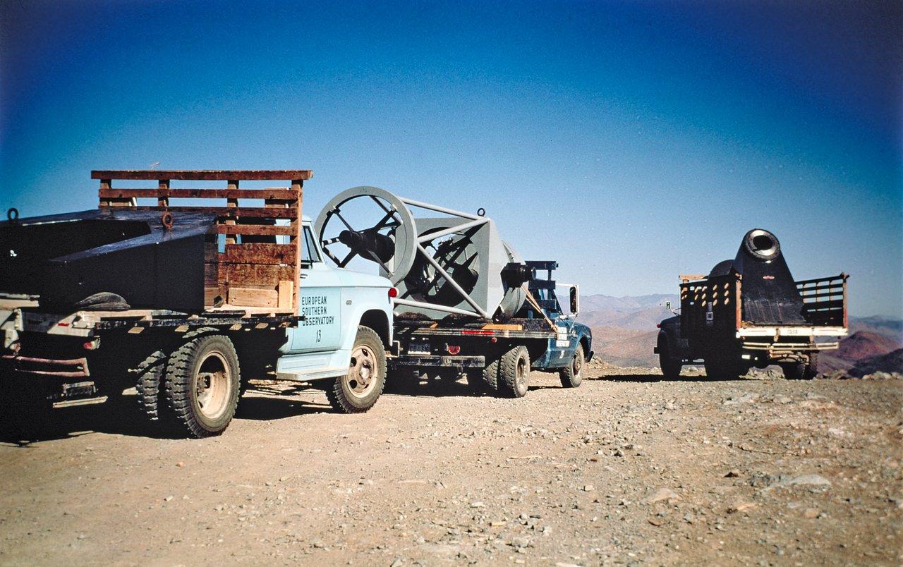 ESO 1-metre Schmidt telescope on its way to La Silla