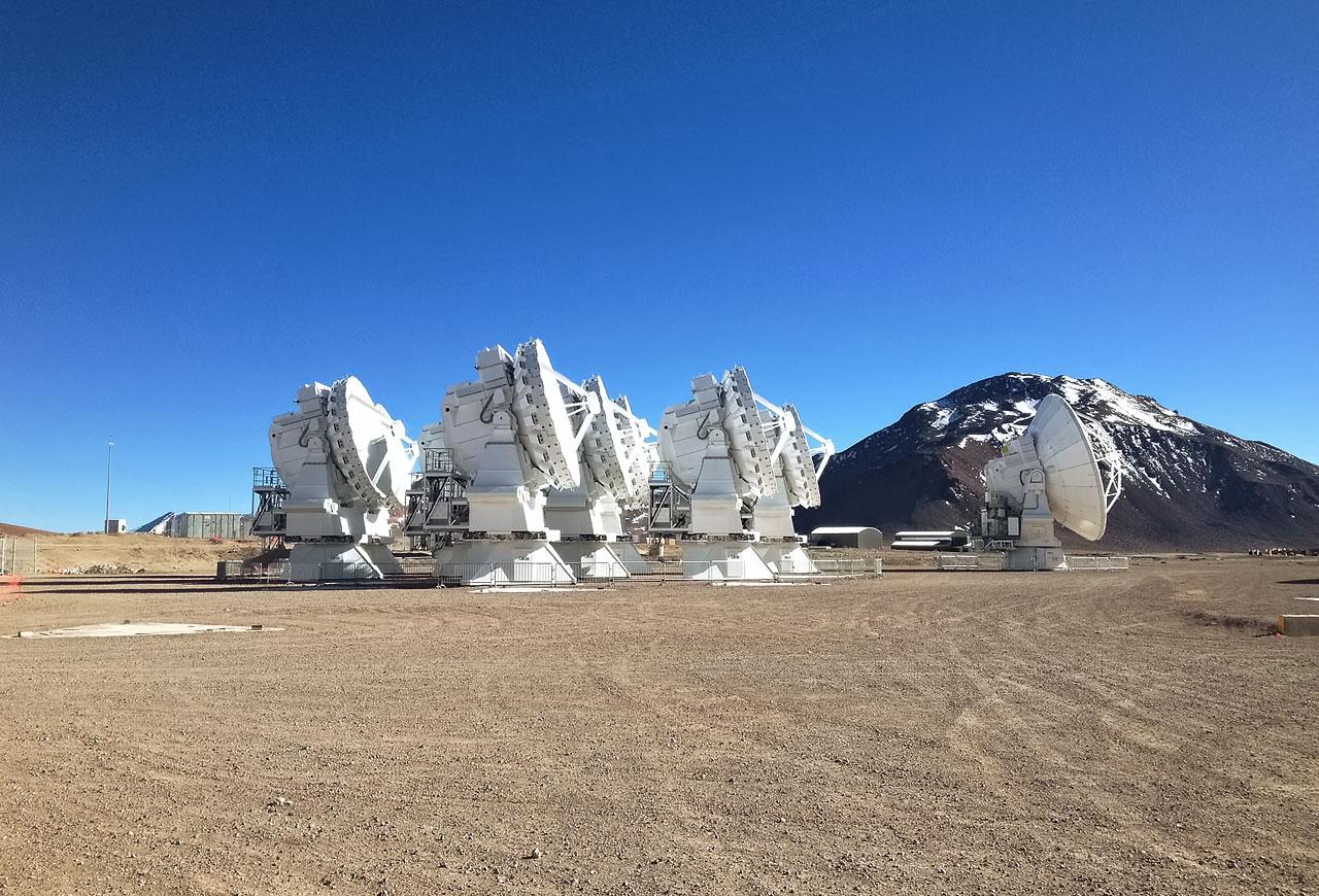 ALMA-antennes op de Chajnantor-hoogvlakte in het noorden van Chili