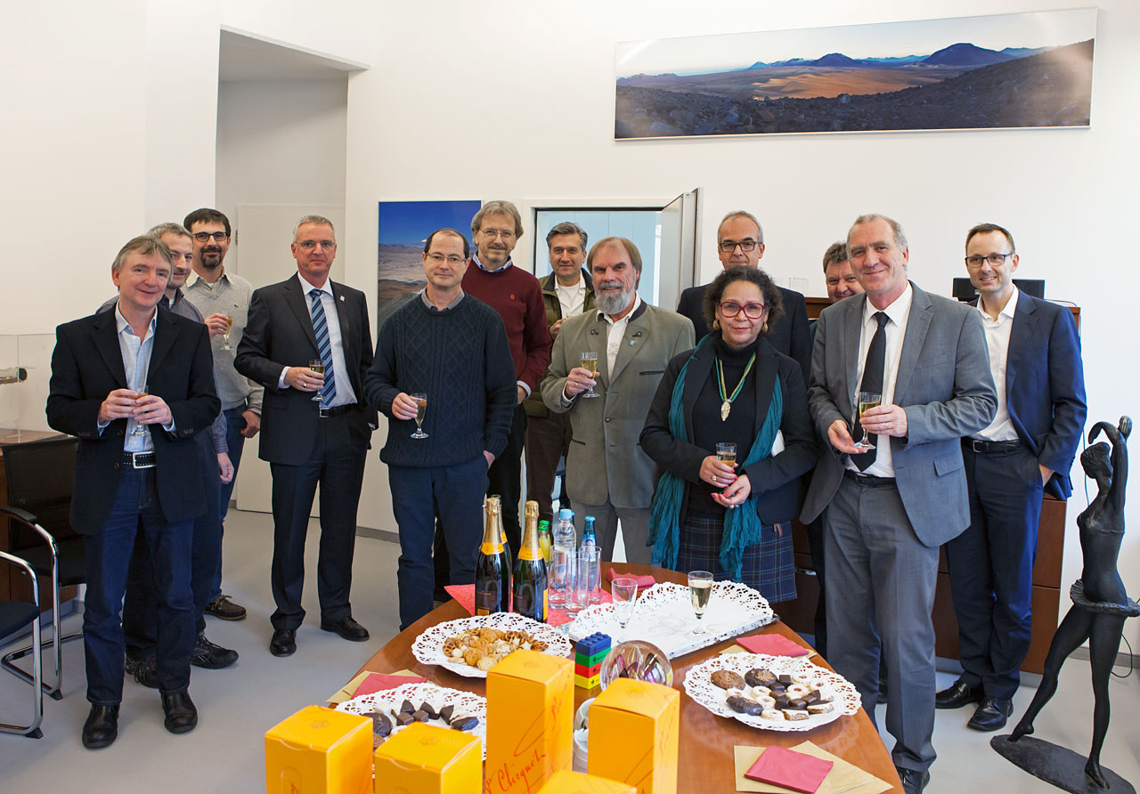 Staff Celebrating 25 Years at ESO in 2013