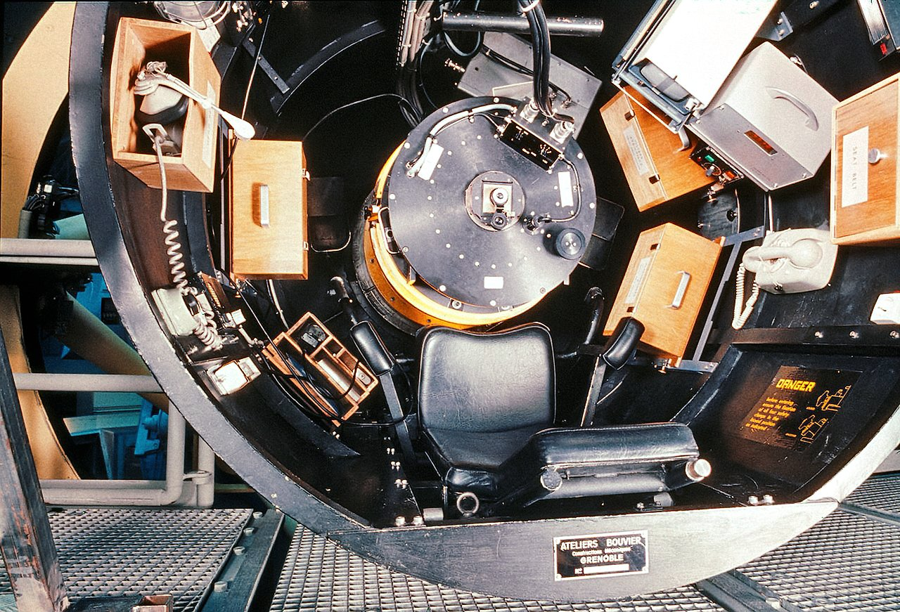 The Observer's Cage of the ESO 3.6-metre telescope