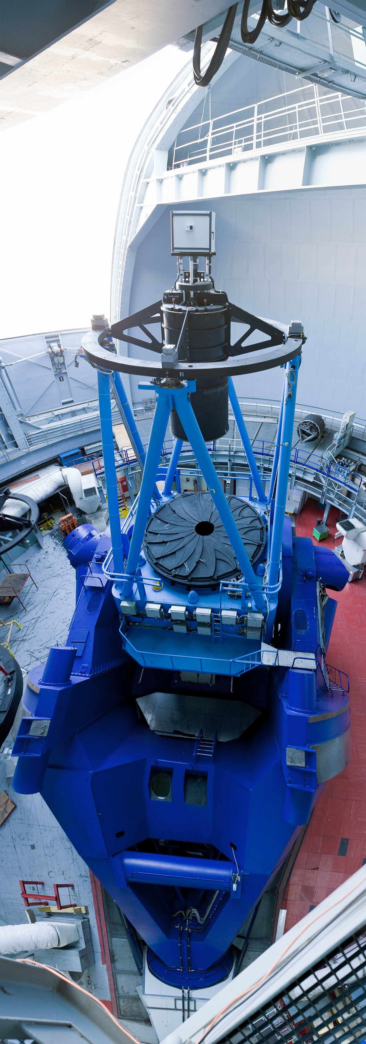 Vertical panorama of the ESO 3.6-metre telescope