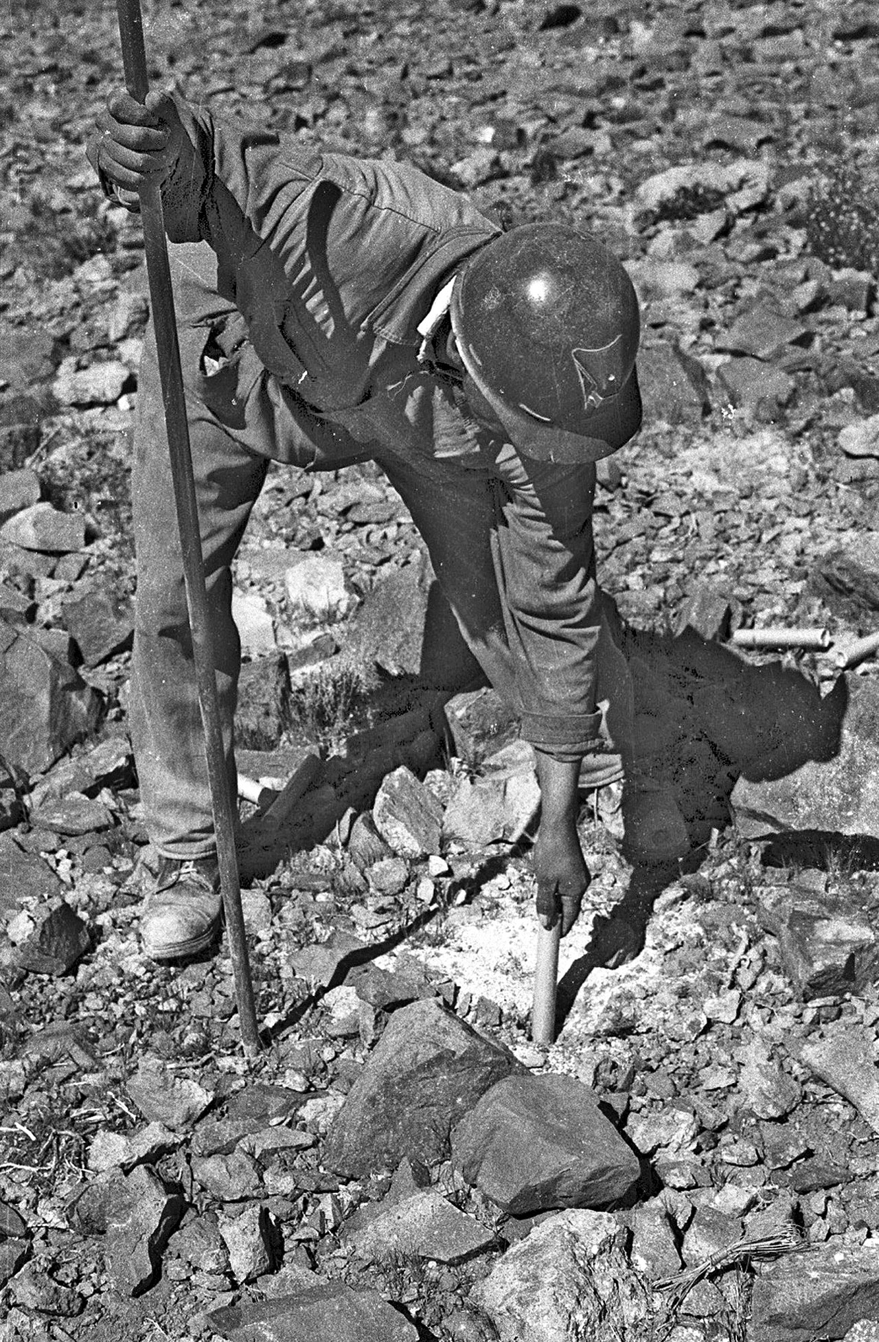 Worker during La Silla observatory construction