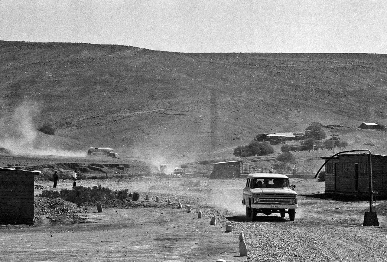 Constructing La Silla observatory and the Pelicano Camp