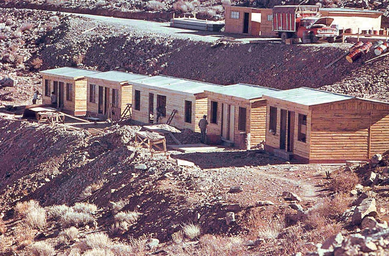 La Silla early construction