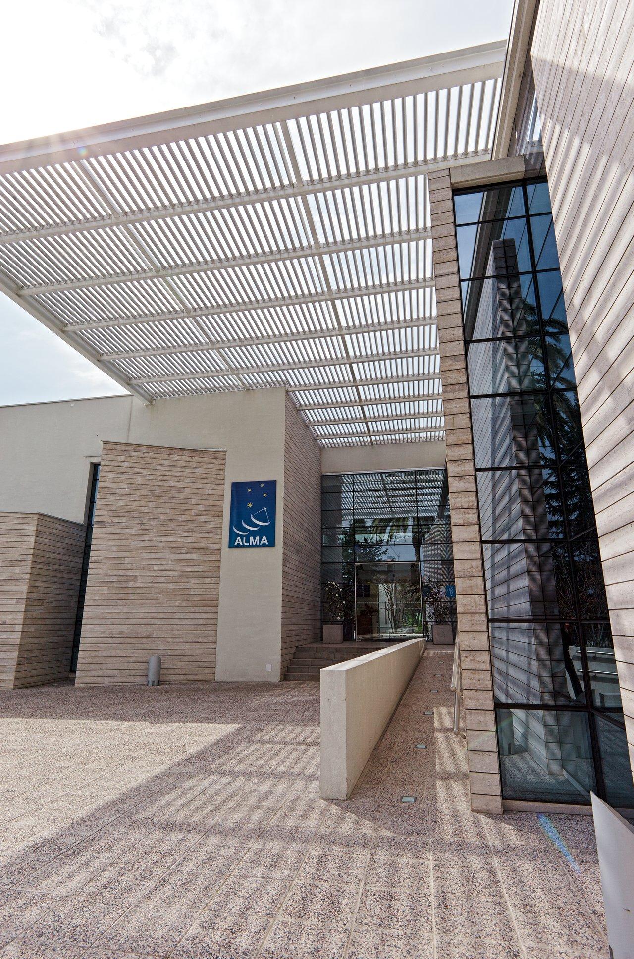 ALMA Santiago Central Office Entrance