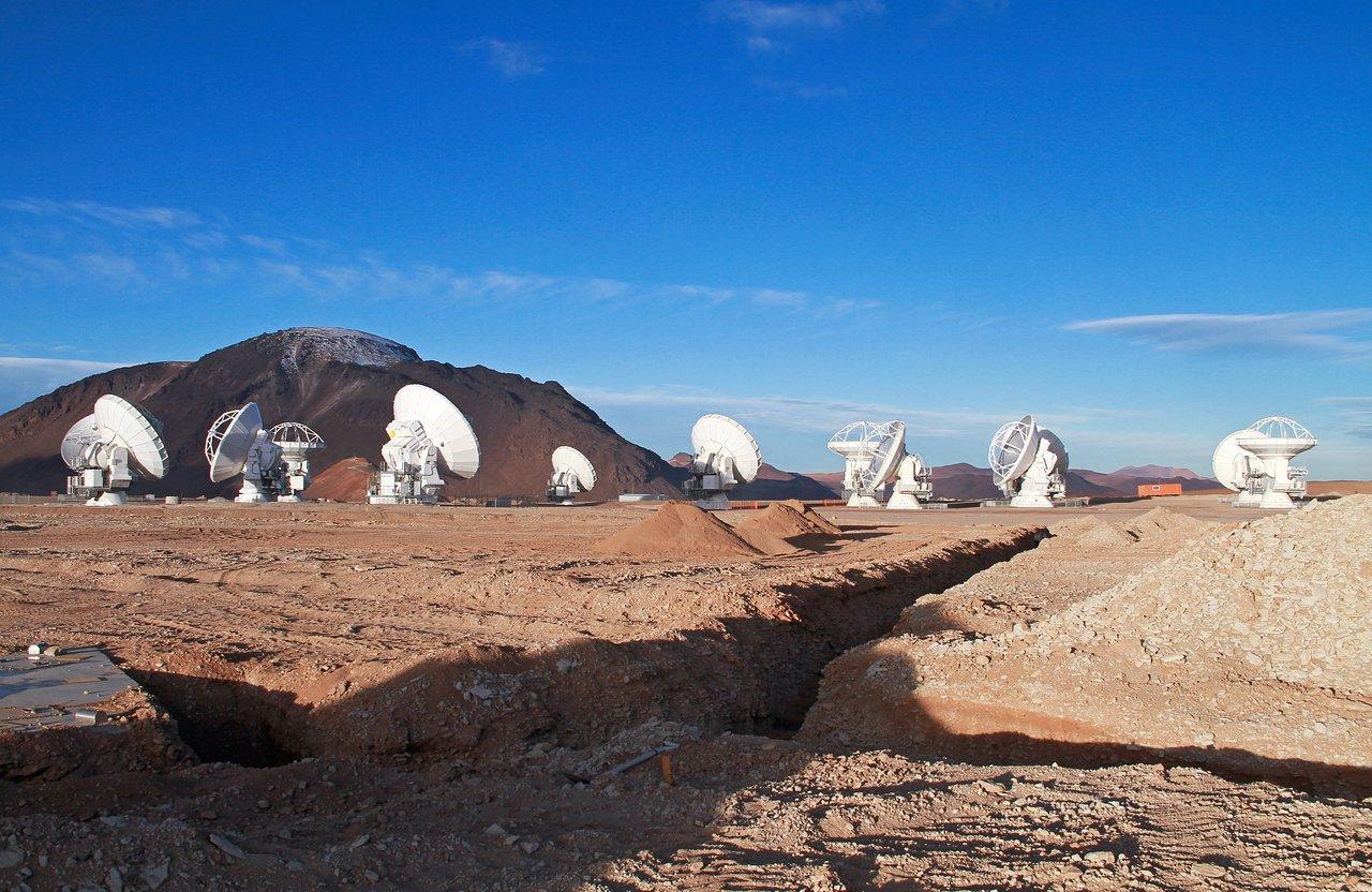 13 Antennas at the ALMA AOS