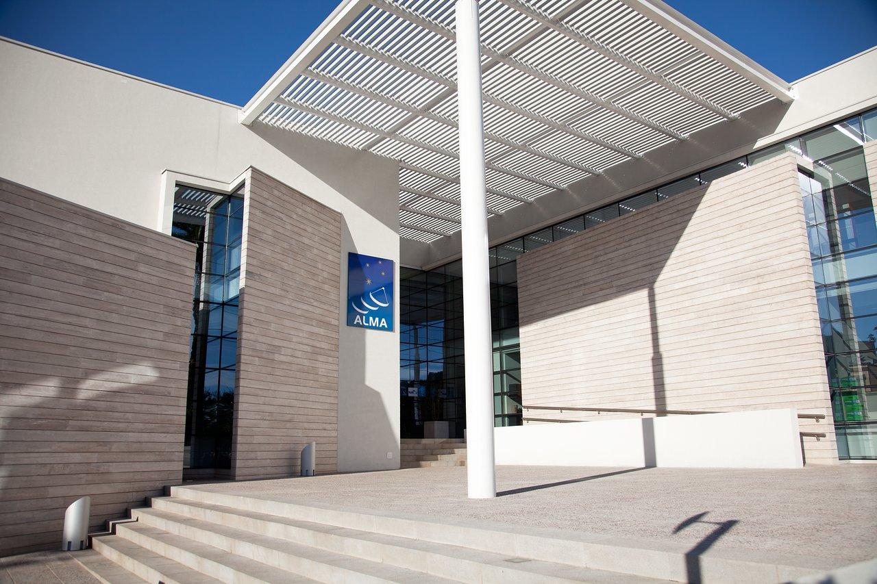 Entering the New ALMA Santiago Central Office