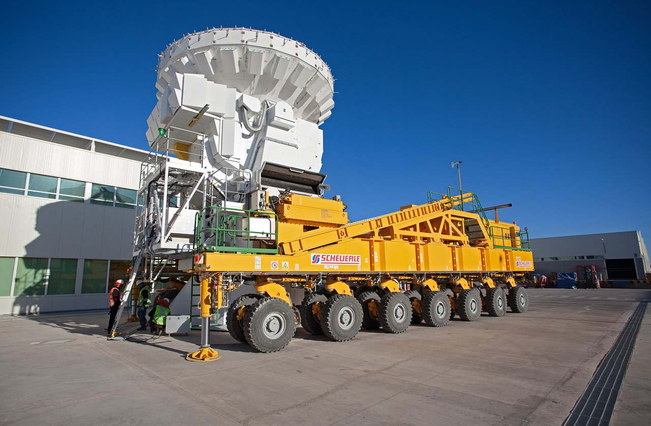 ALMA antenna on a transporter