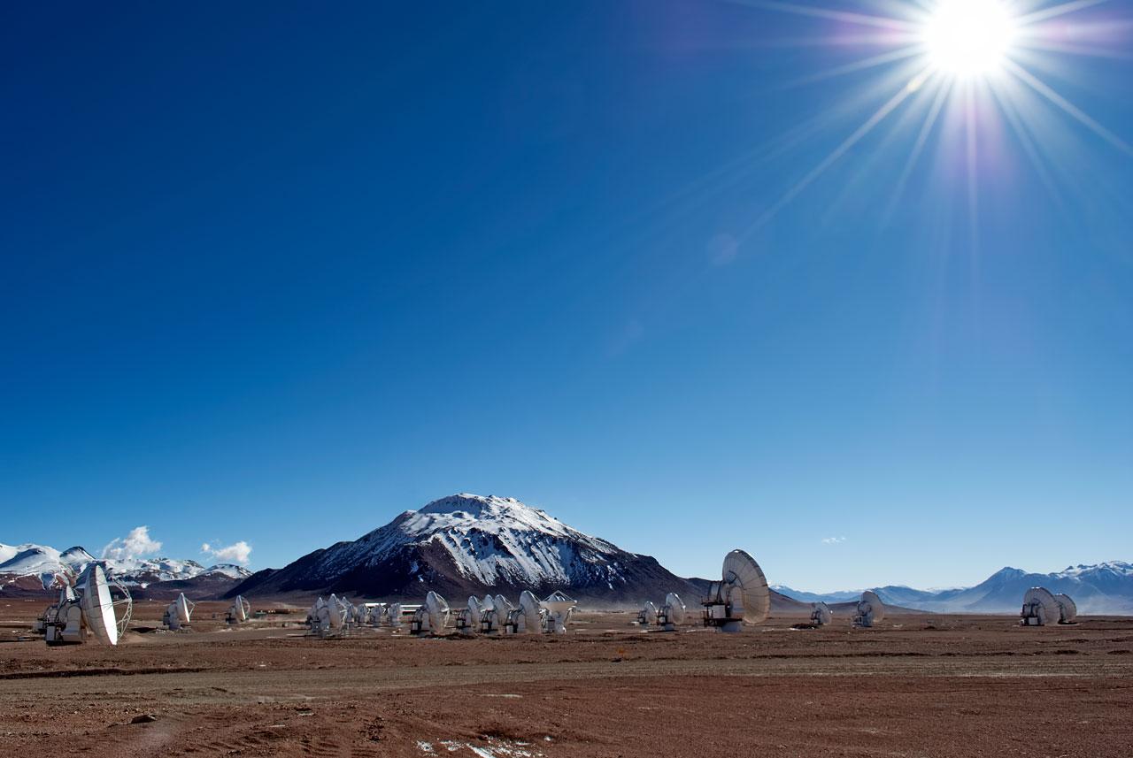 ALMA Array under the sun of the Atacama
