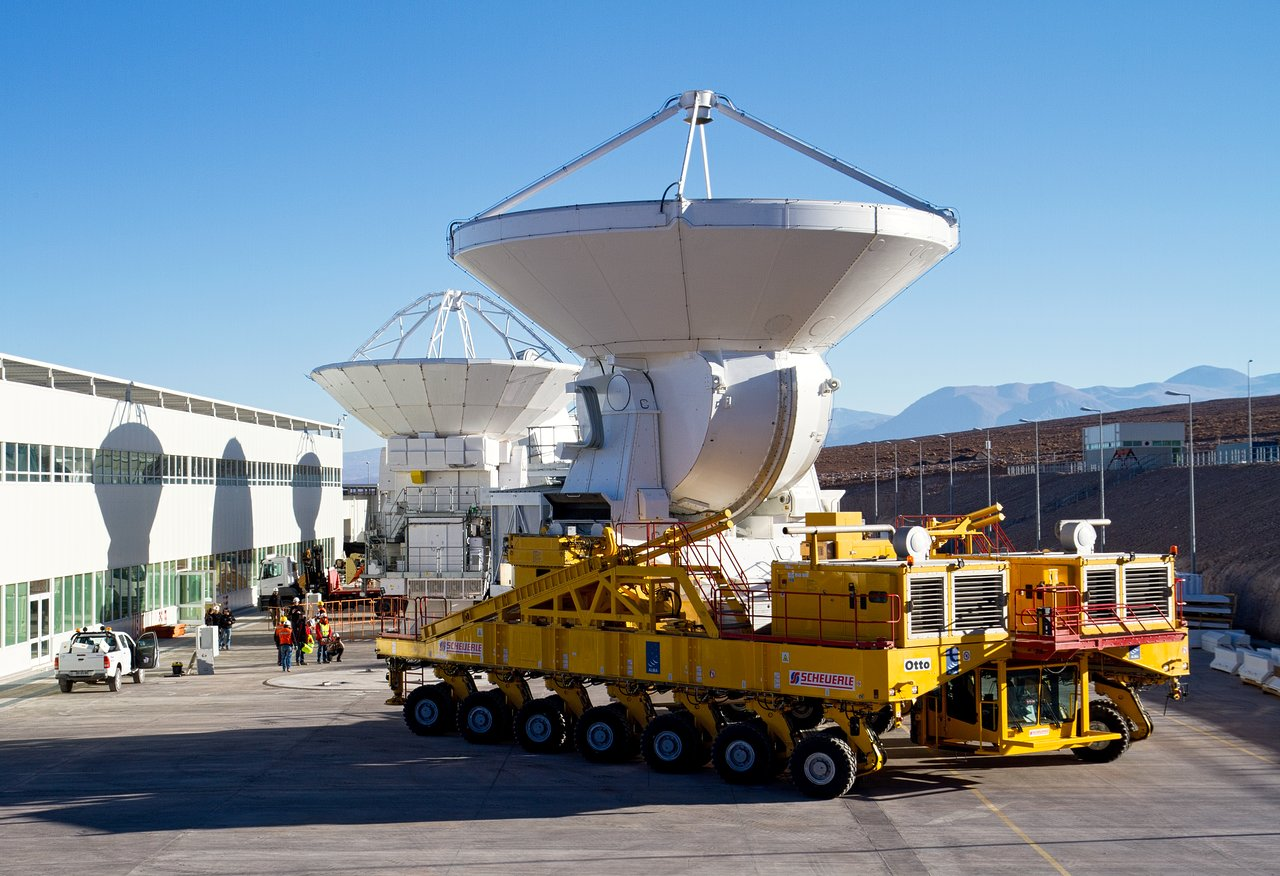 First European ALMA Antenna Handed Over to Joint ALMA Observatory