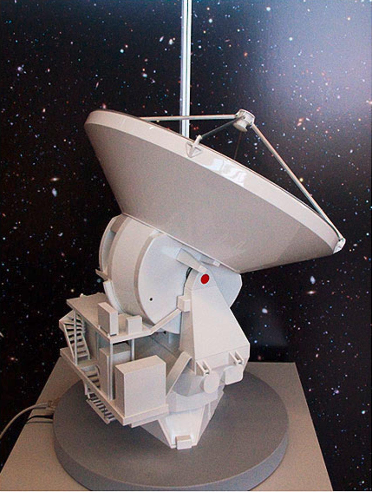 ALMA Antenna Model 03