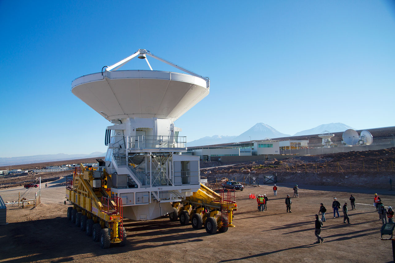 The first European antenna for ALMA is handed over to the observatory