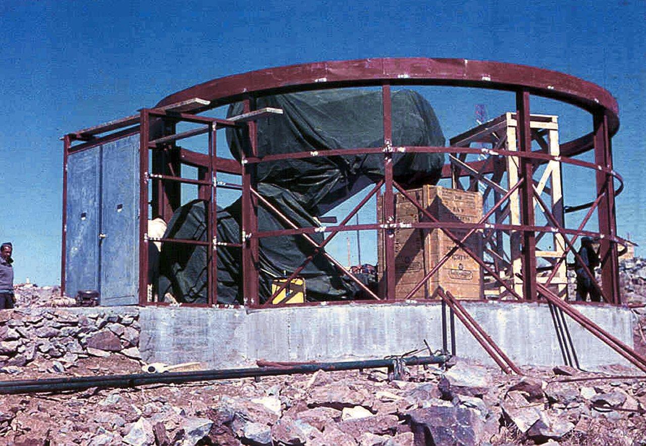 Assembling the ESO 1-metre telescope