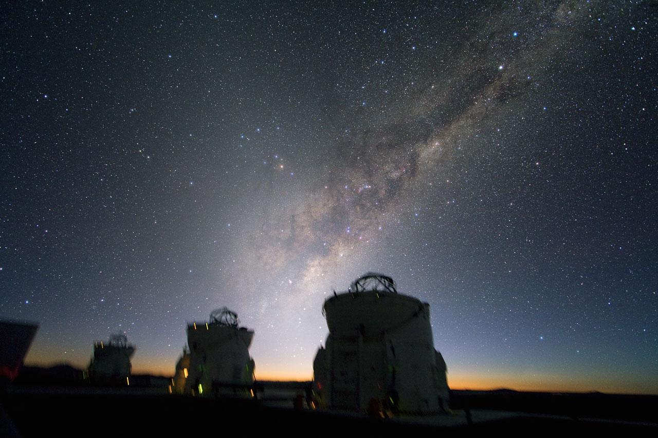 Mounted image 024: Zodiacal light at Paranal