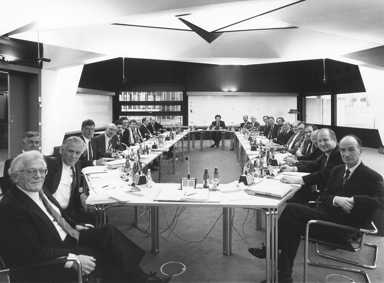 Council approves the VLT