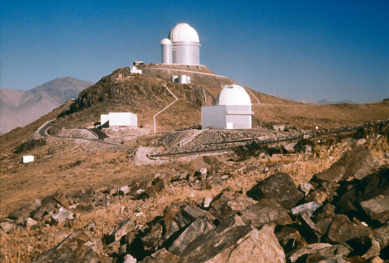 View towards the ESO 3.6-metre telescope