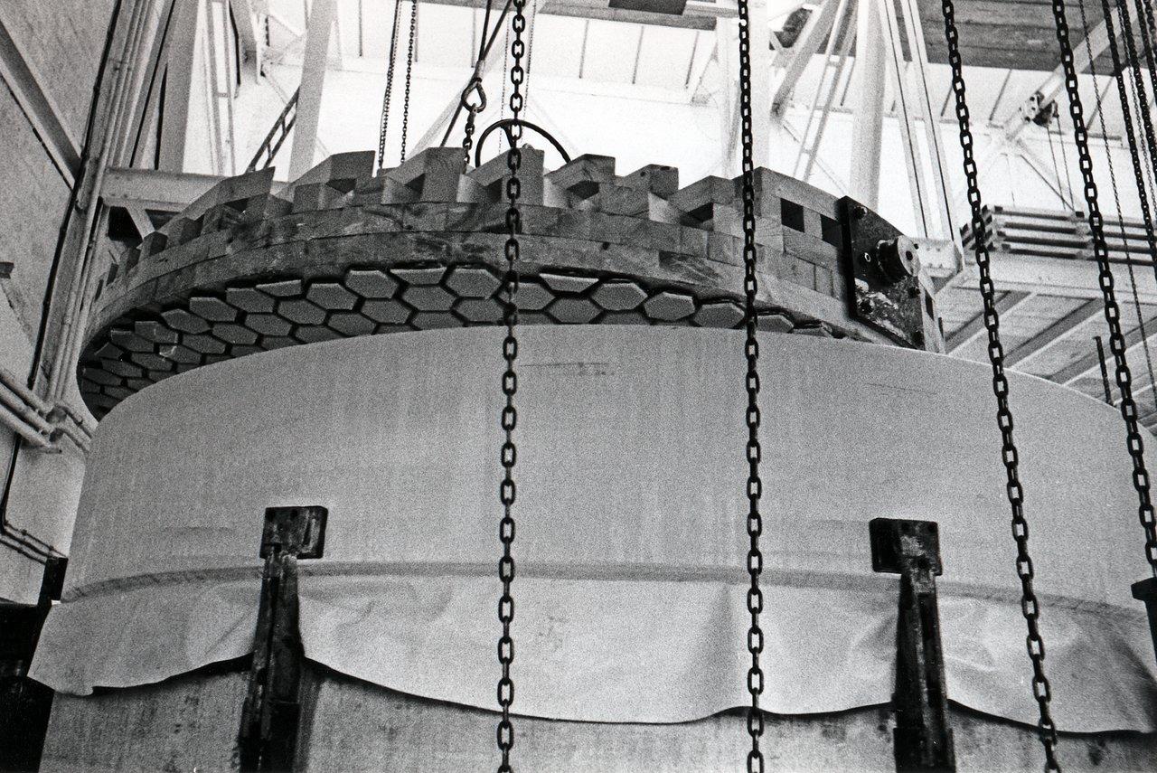 Building ESO 3.6-metre telescope