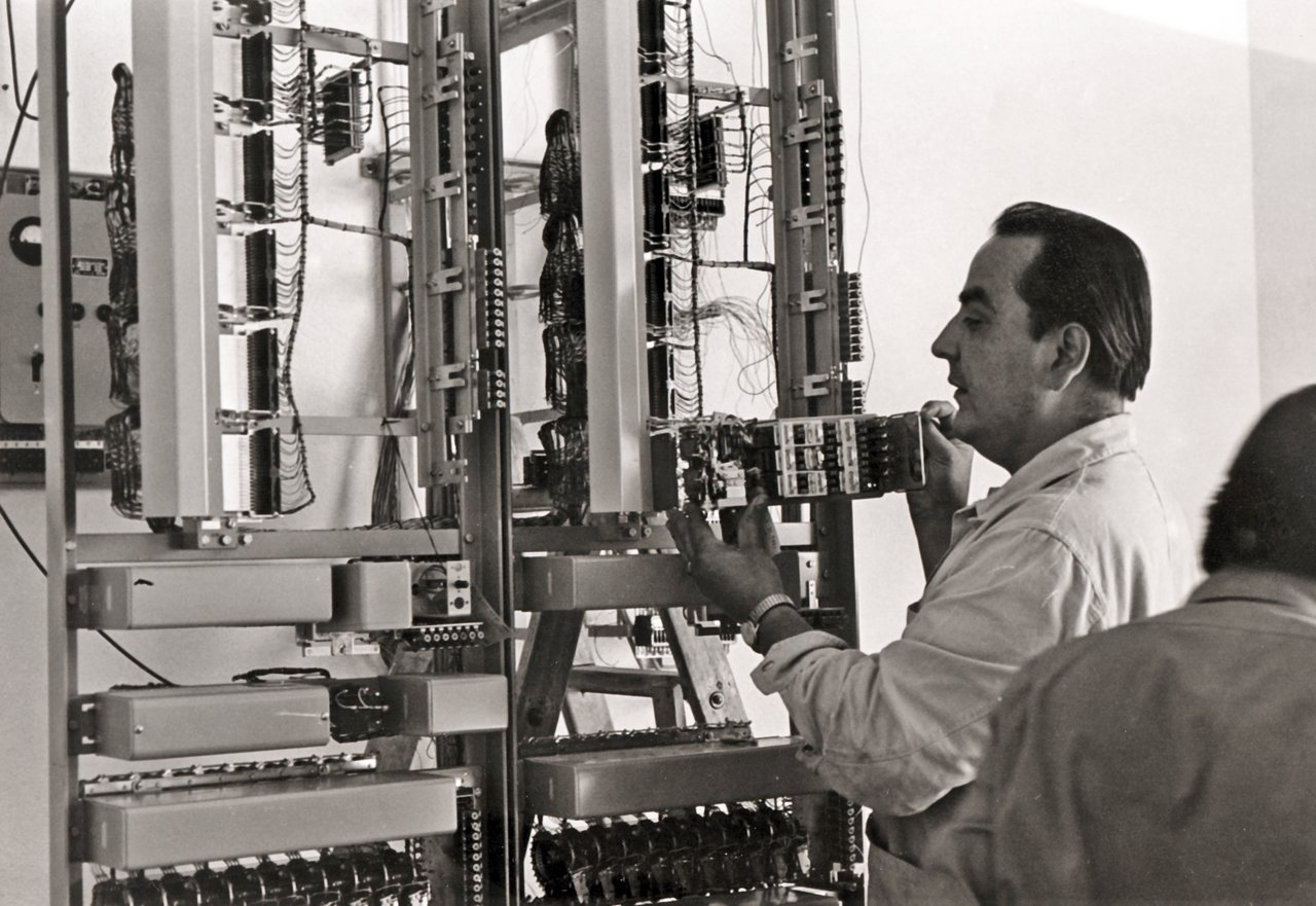 The electronic workshop at La Silla in 1969
