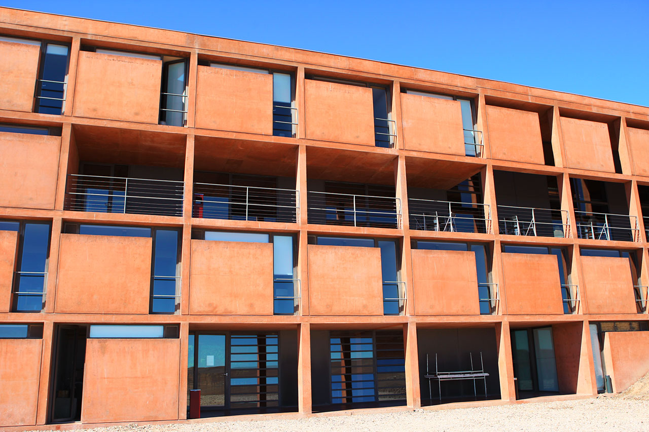 Front of the Paranal Residencia
