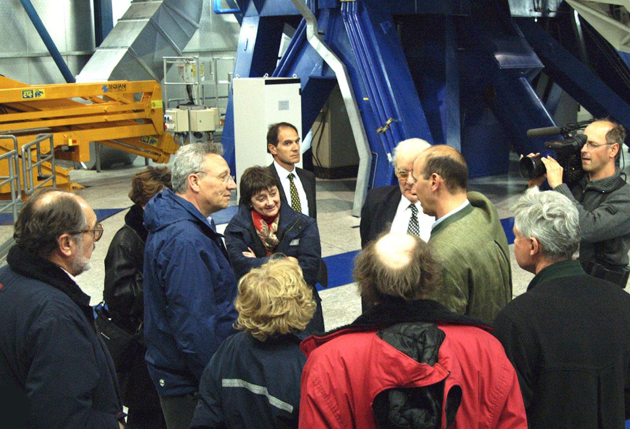 Commissioner Busquin visits Paranal II