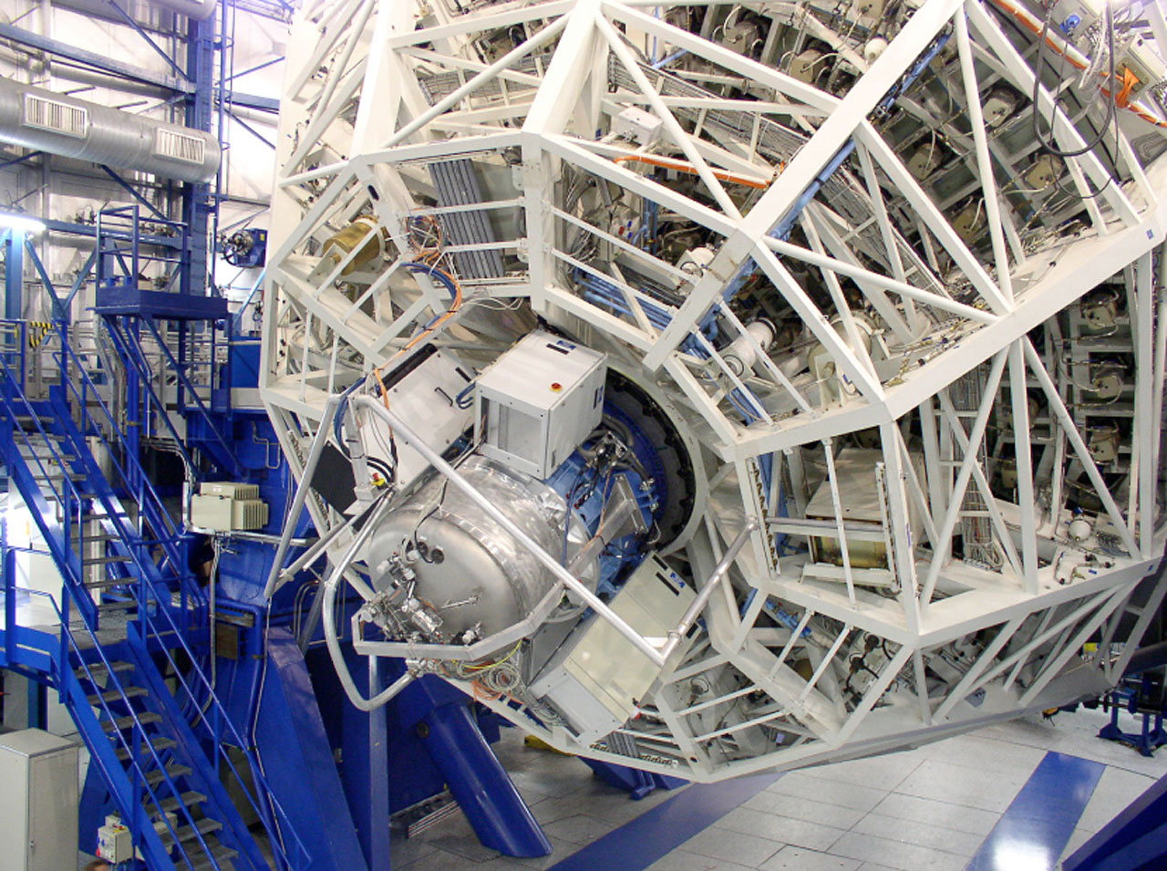 SINFONI undergoing Balancing and Flexure Tests at VLT Yepun