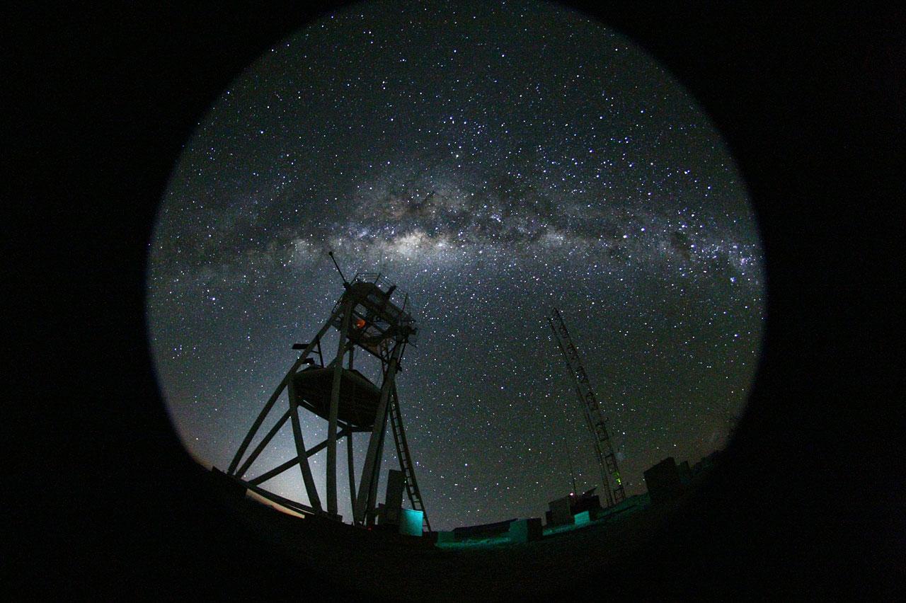 Cerro Armazones de noche