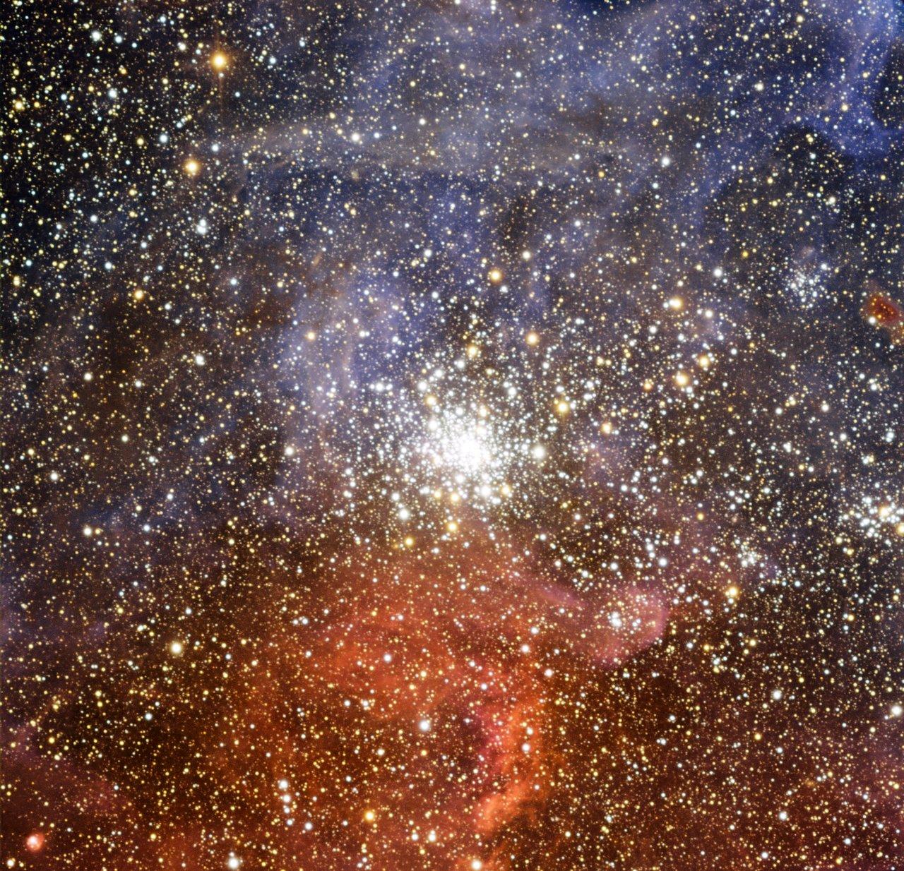 Der Sternhaufen NGC 2100 in der Großen Magellanschen Wolke