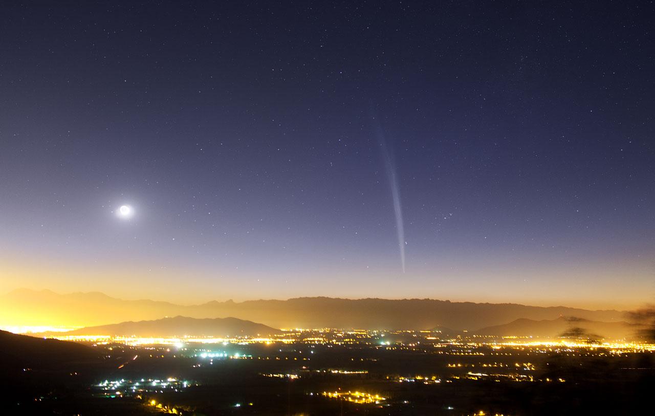 El Cometa Navideño Lovejoy visto sobre Santiago