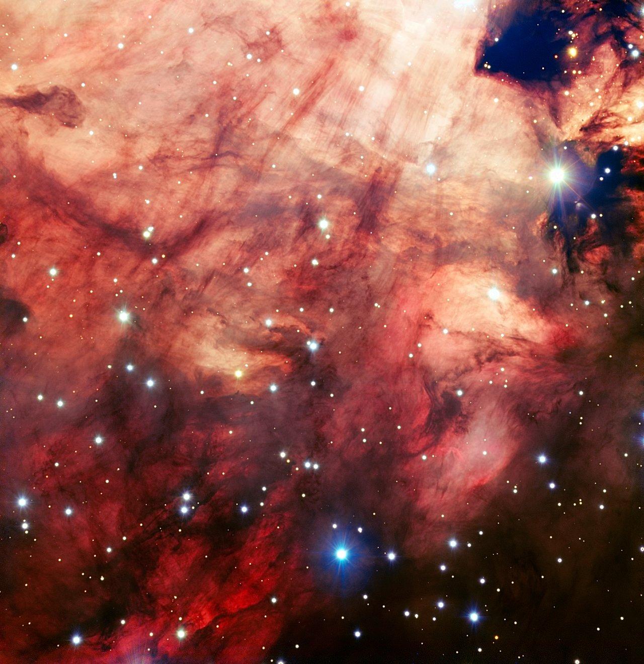 O núcleo rosa e esfumaçado da Nebulosa Ómega