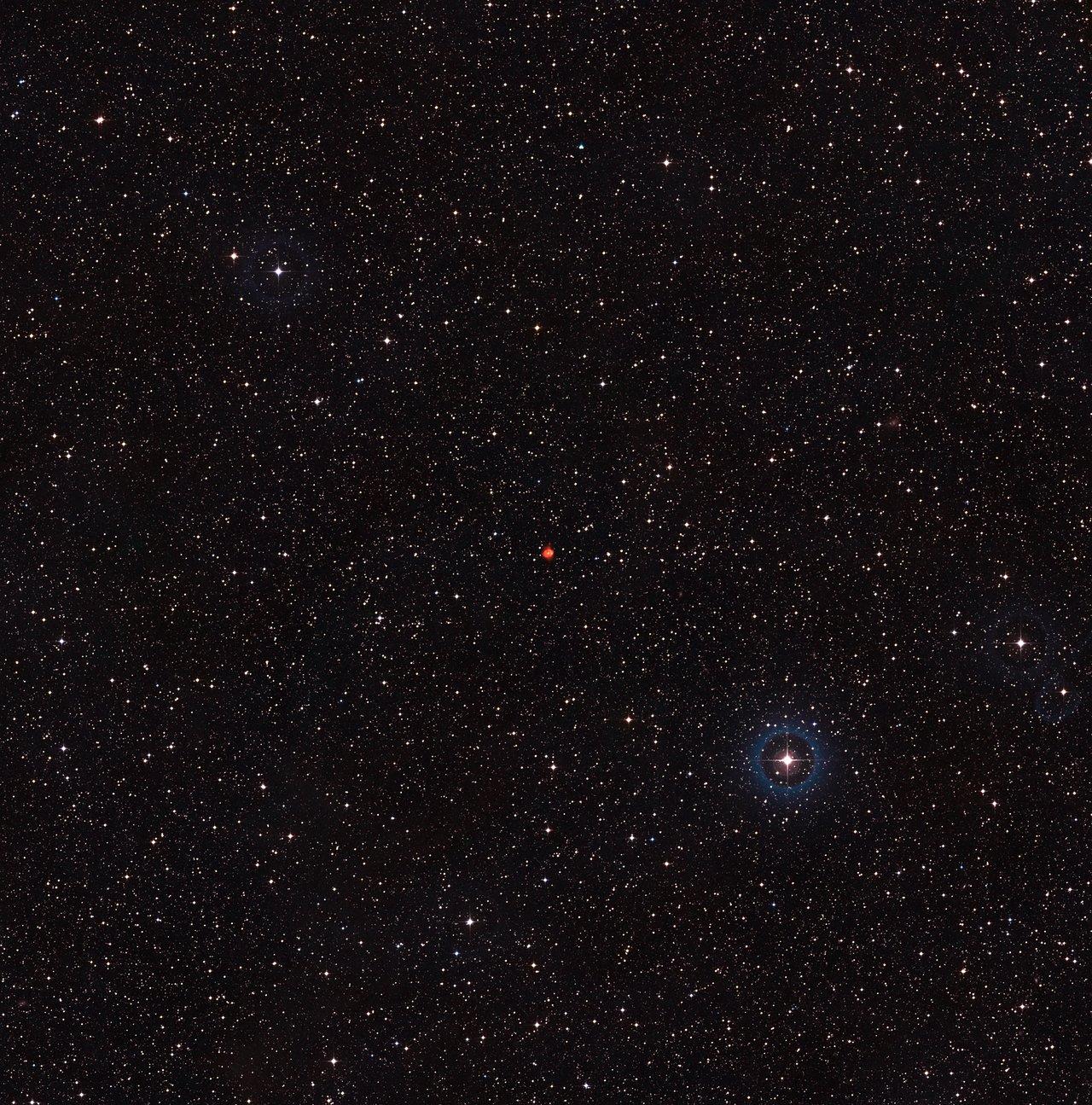 Vue à grand champ du ciel autour de la nébuleuse planétaire Fleming I