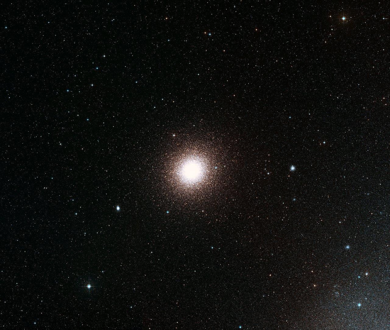 Широкоугольный снимок области неба вокруг шарового скопления 47 Тукана