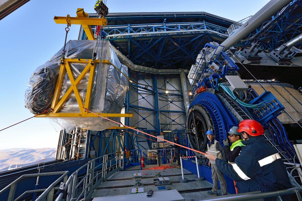 Instalace přístroje MUSE na observatoři Paranal