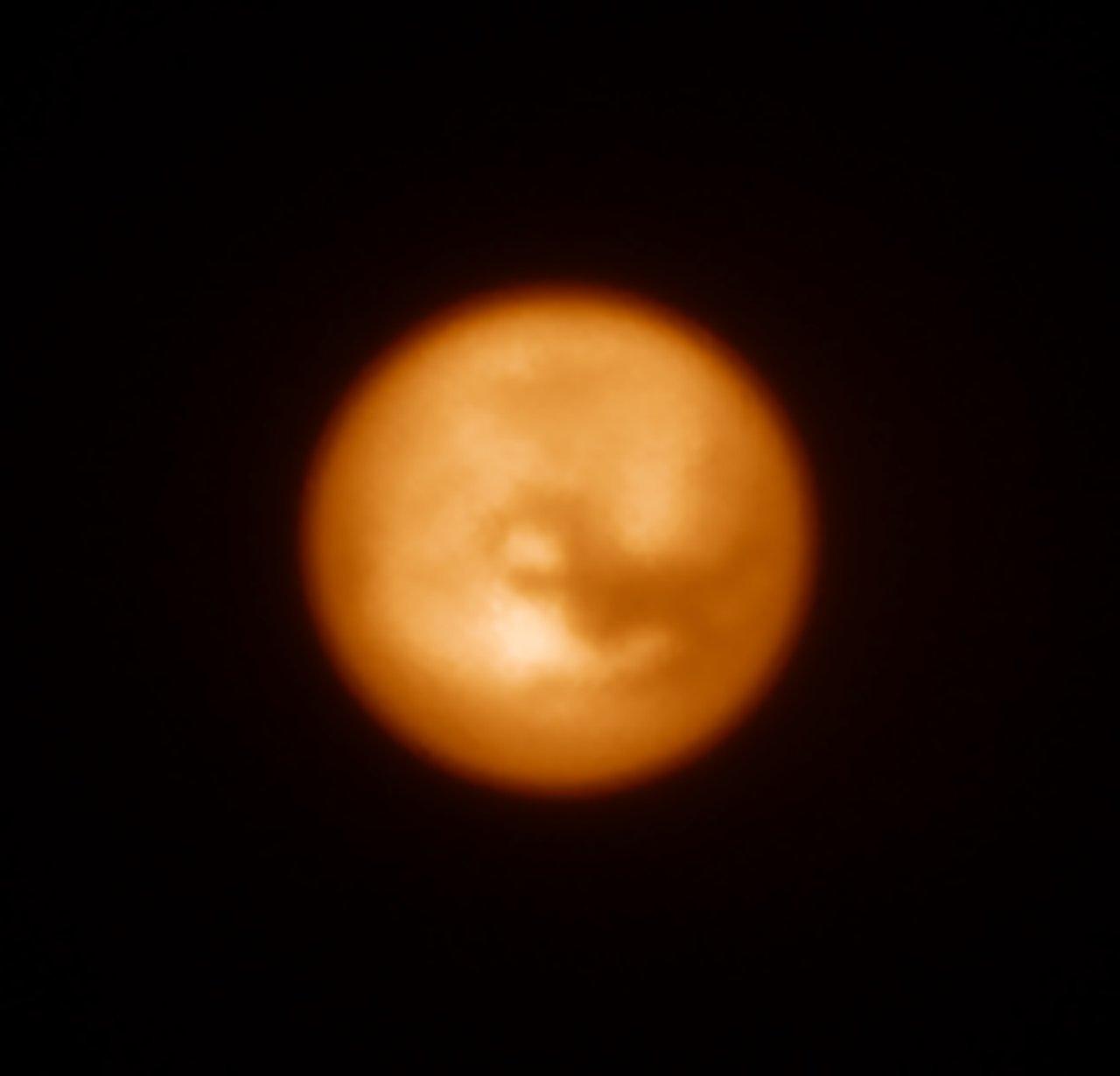 SPHERE-bilde av Saturns måne Titan