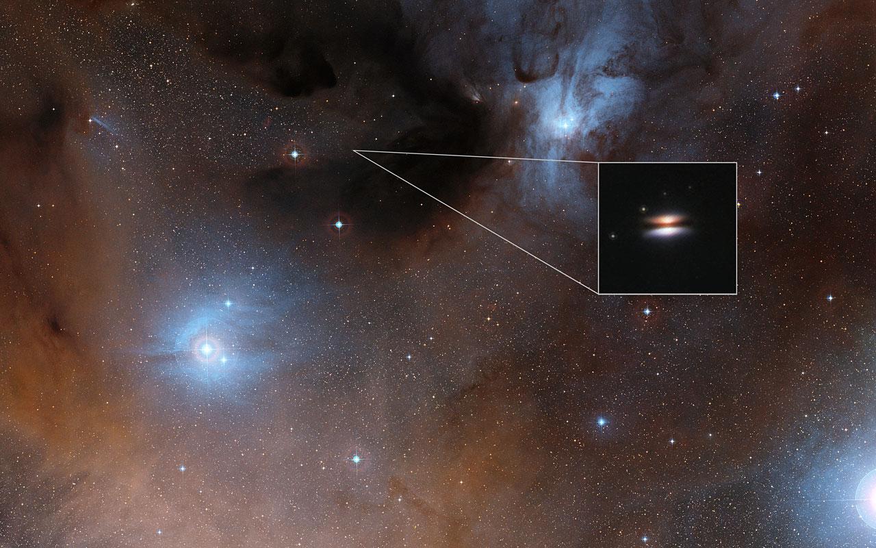 O disco protoplanetário Disco Voador em torno da 2MASS J16281370-2431391