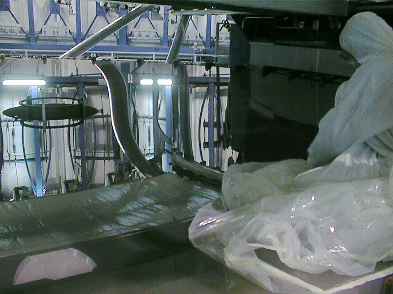 Installation of the M2 mirror