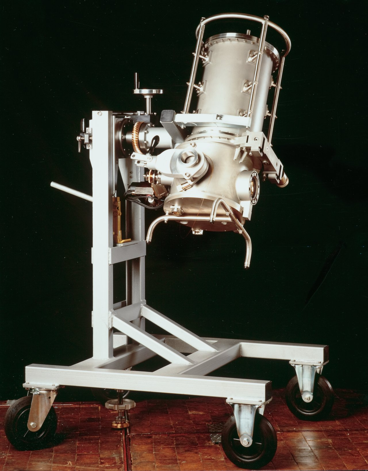 Decommissioned IR instrument