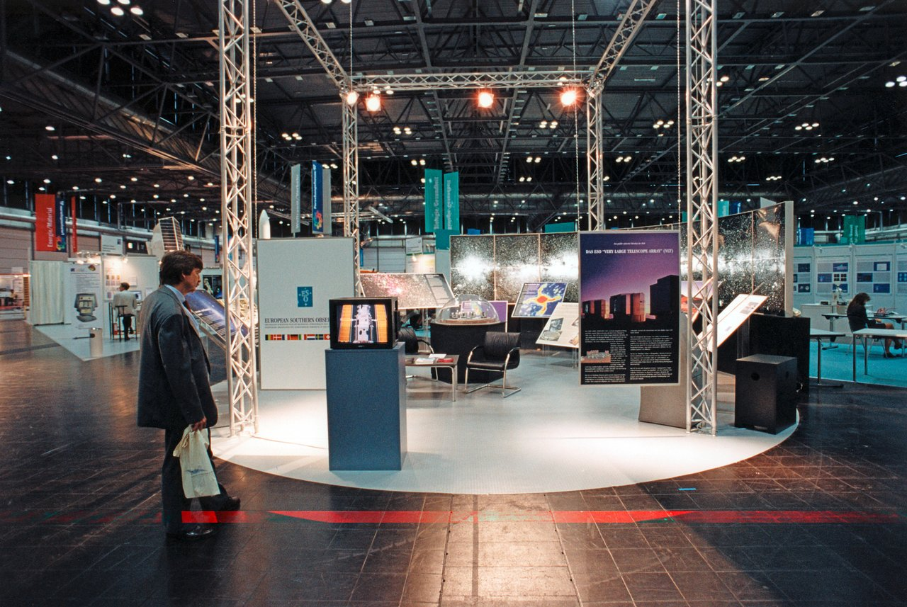 ESO exhibition stand at Forschungsforum 97