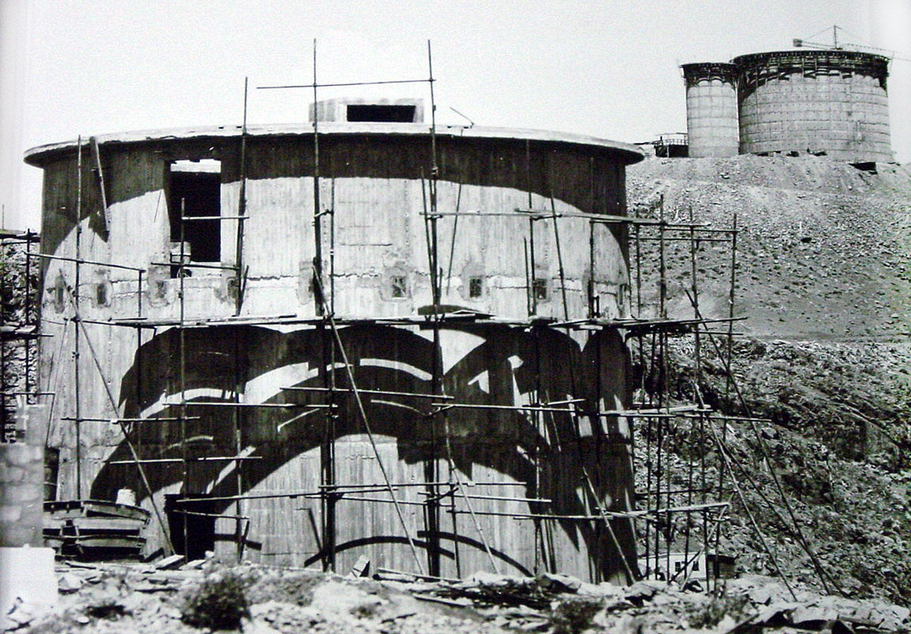 Building the 3.6 metre telescope