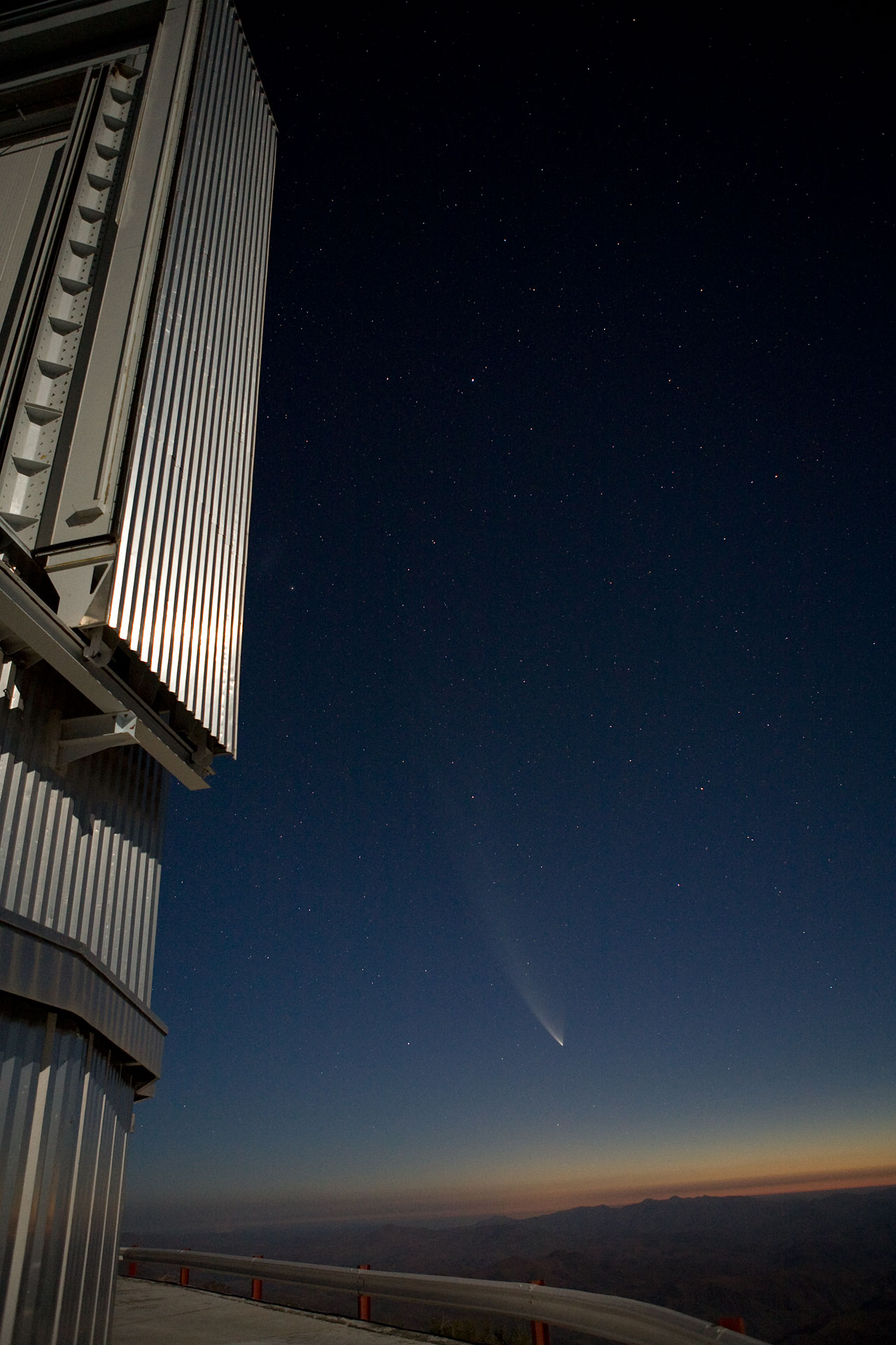 Comet McNaught and NTT dome