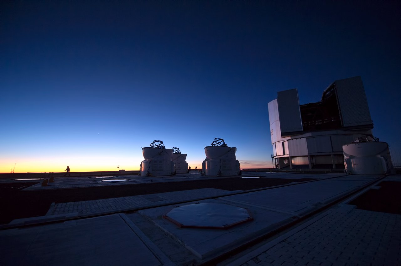 Twilight over the VLT