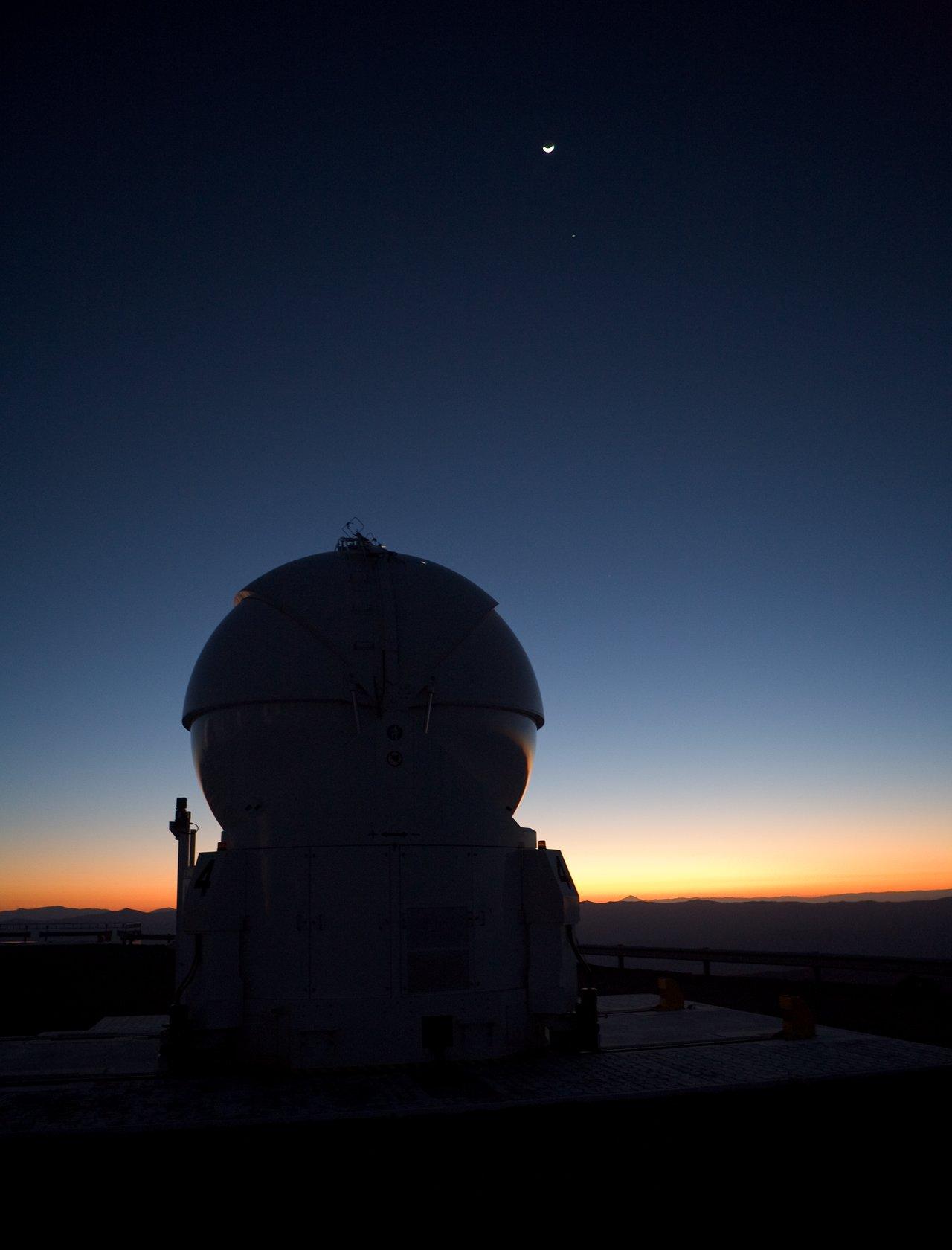 AT4 at dawn on Paranal