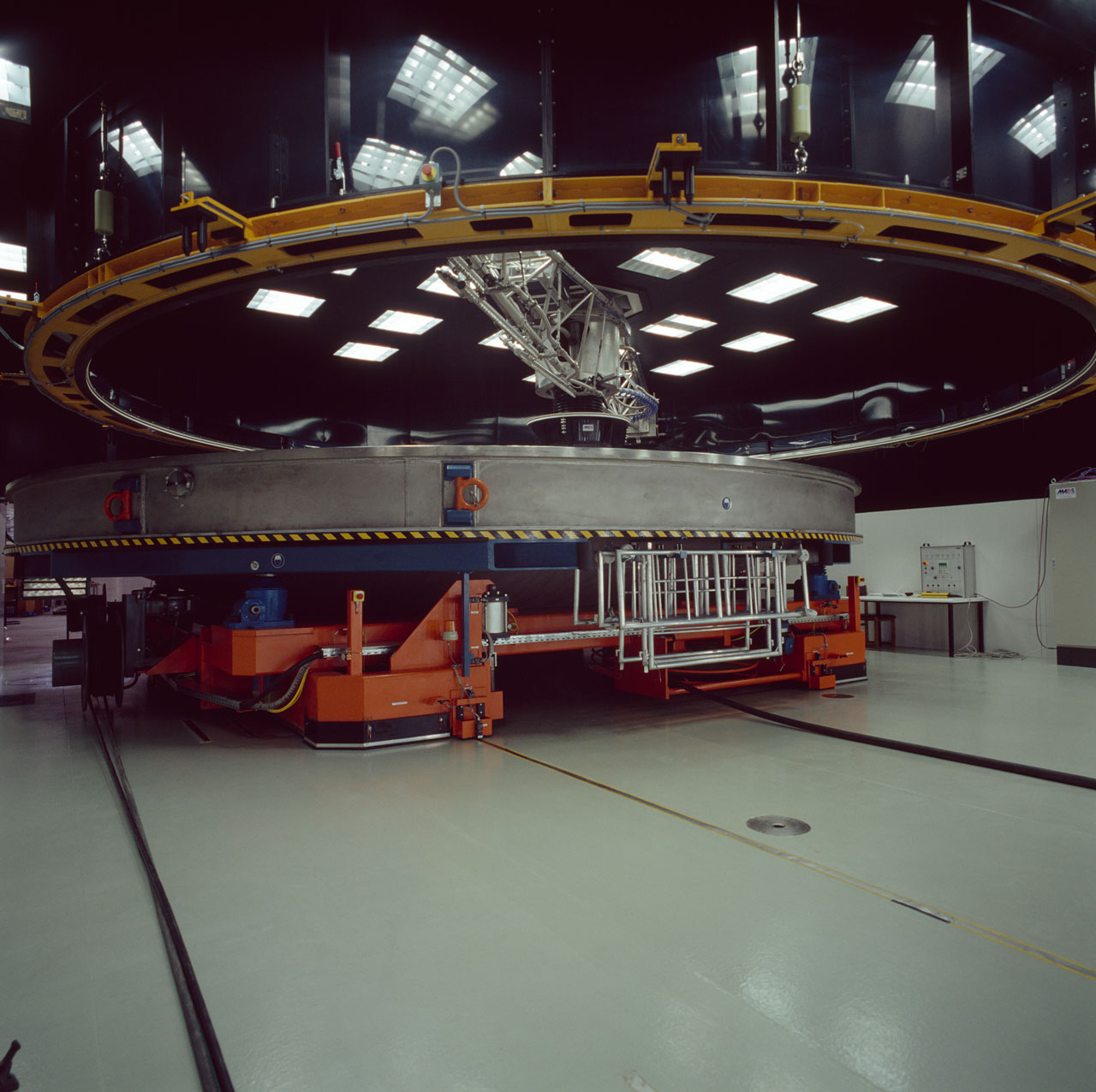 Paranal Mirror Cleaning Unit
