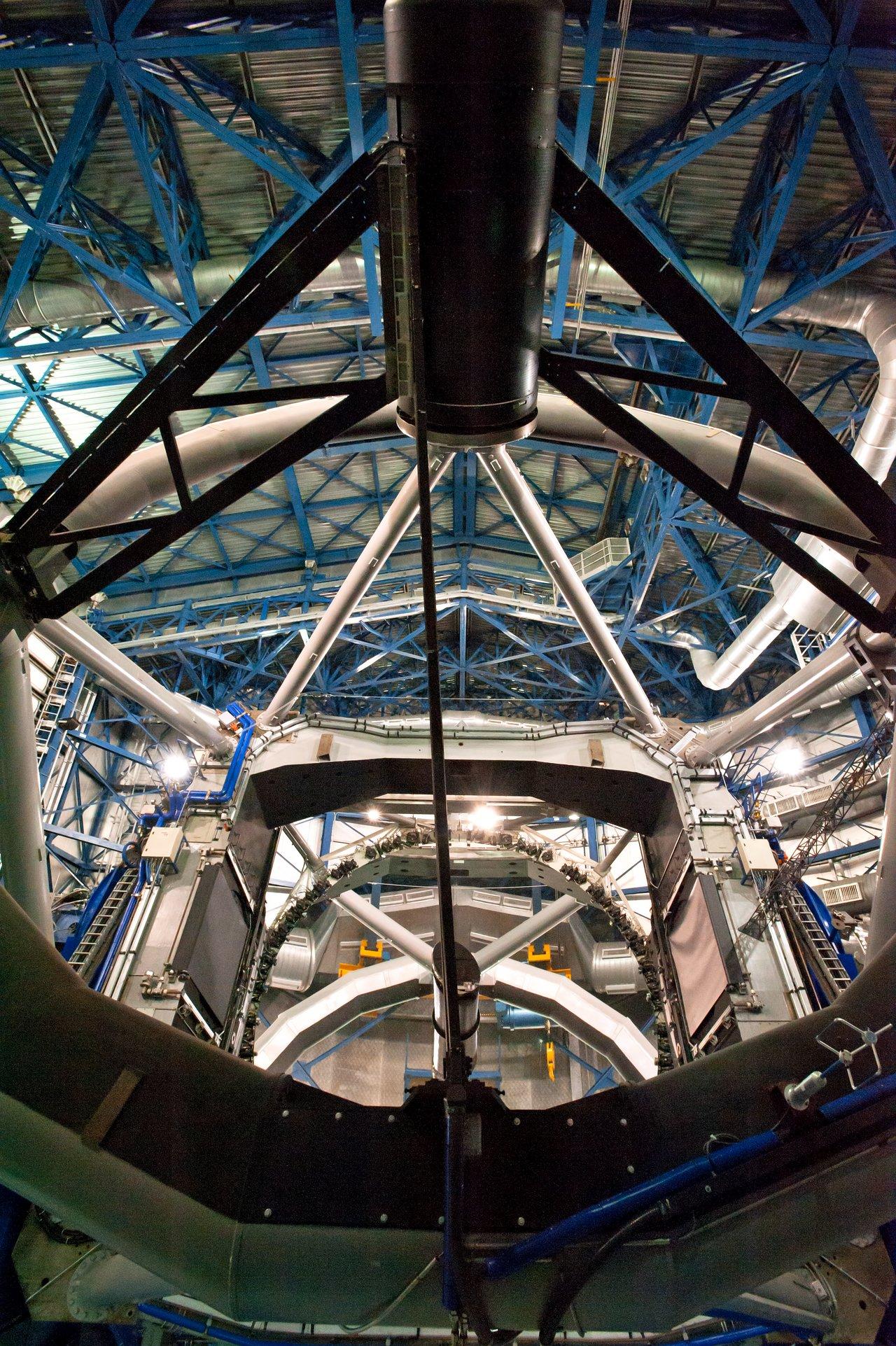 Inside view of a VLT Unit Telescope