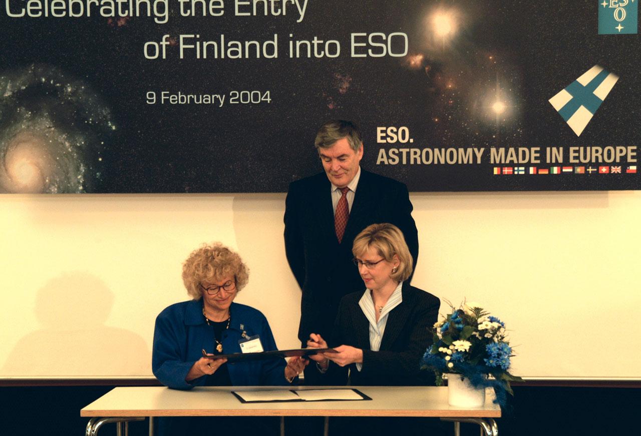 ESO - Finland Signing Ceremony