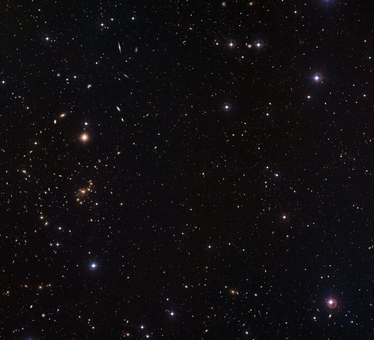 Mappare la materia oscura nelle galassie