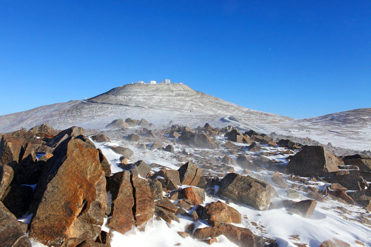 Een poederlaagje sneeuw in de Atacama-woestijn